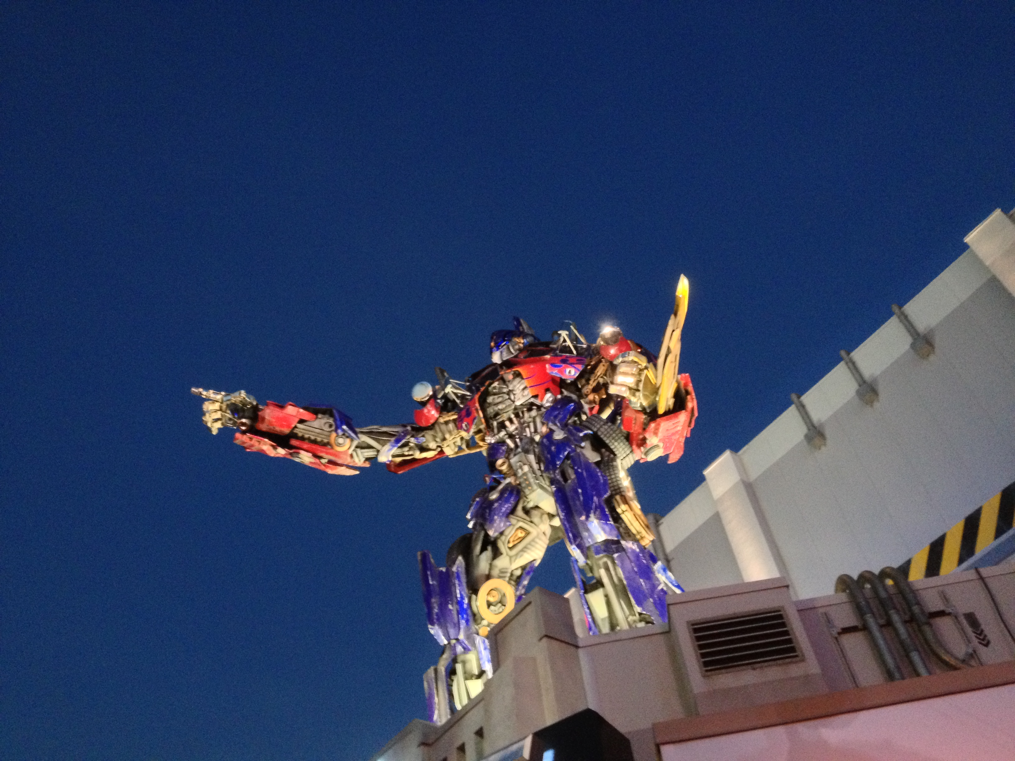 Universal Orlando Resort Dazzles With its New Transformers Ride